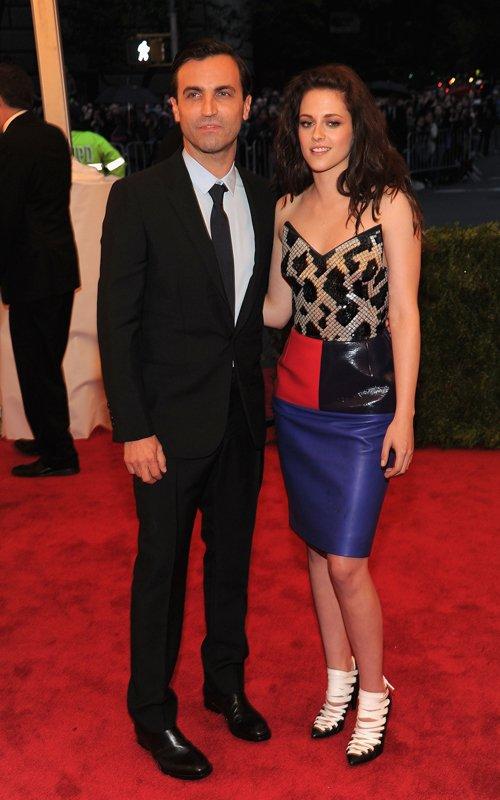 MET Gala 2012 Kristen Stewart With Nicolas Ghesquière colorblock leather skirt