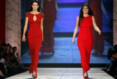 The Heart Truth - Kendall & Kylie Jenner in Badgley Mischka