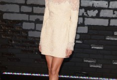 Allison Williams attends the 2013 MTV Video Music Awards